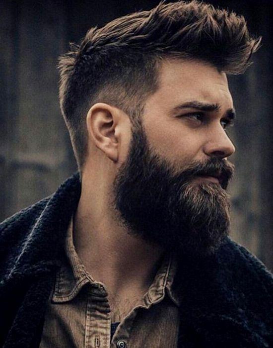 Węgiel, piwo, aloes – najlepsze substancje dla męskich włosów